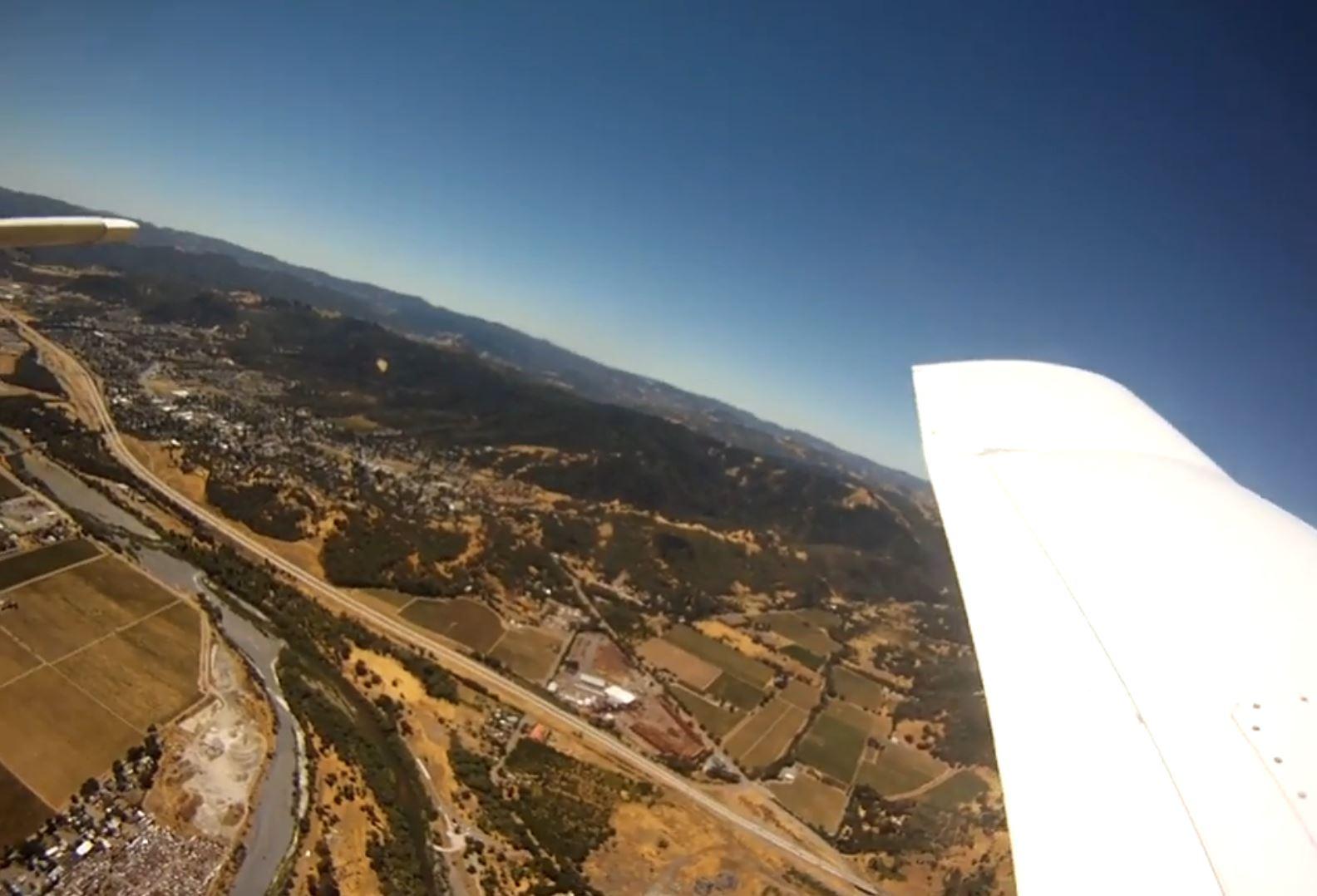 GoPro fliegt aus dem Flugzeug