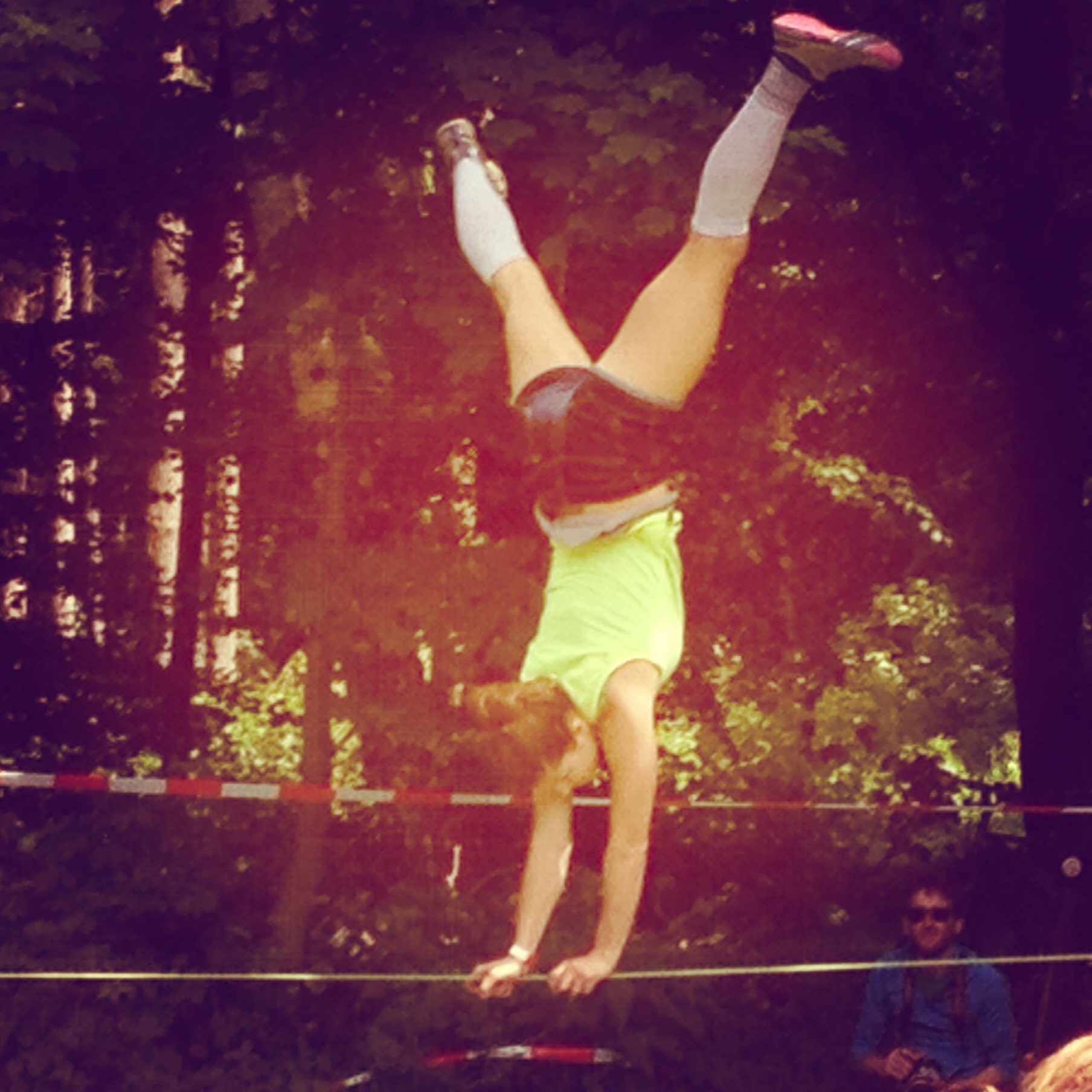 Akrobatik beim Slacklinefestival