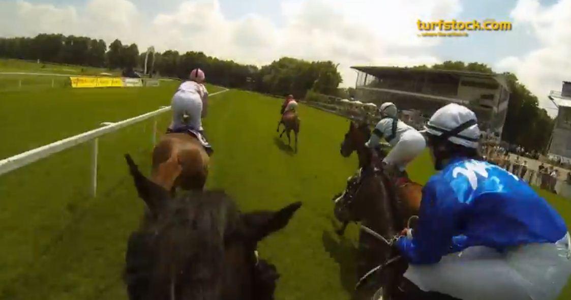 Pferderennen mit Helmkamera